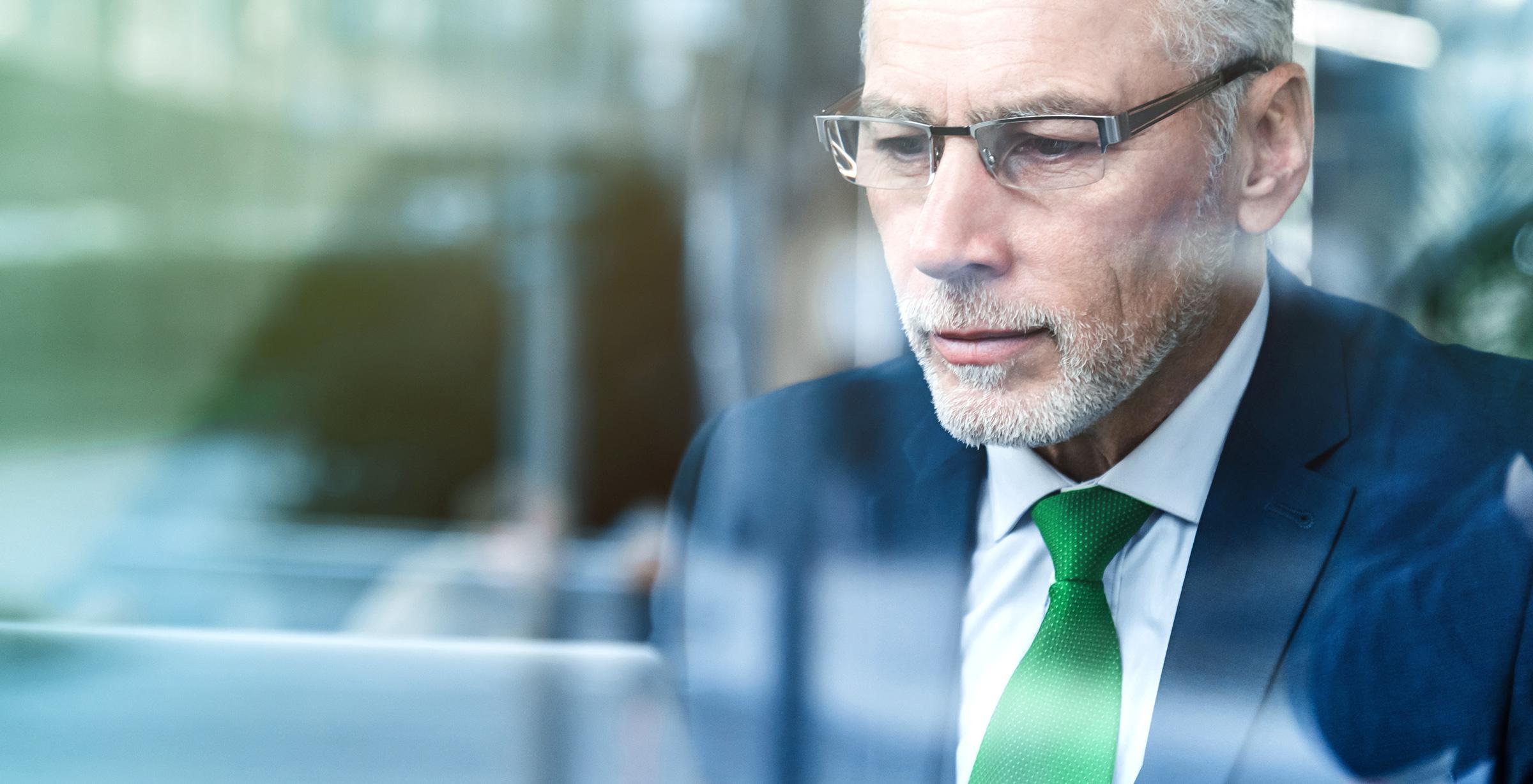 Open een effectenrekening en handel via een professioneel handelsplatform